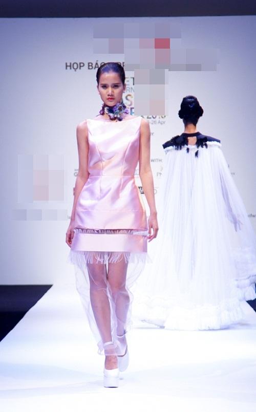 Nhà thiết kế chi 200 triệu để diễn Tuần lễ thời trang VN - 6