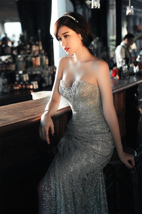 Á hậu Huyền My lấp ló ngực đầy với váy bồng quyến rũ - 9