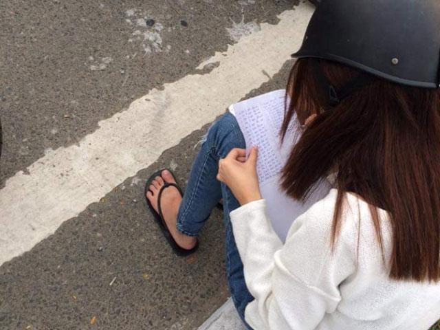 Nữ sinh vi phạm giao thông bị chép phạt 30 lần nói gì? - 1
