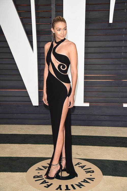 5 kiểu váy cắt xẻ được mỹ nhân khắp hành tinh mê mẩn - 14