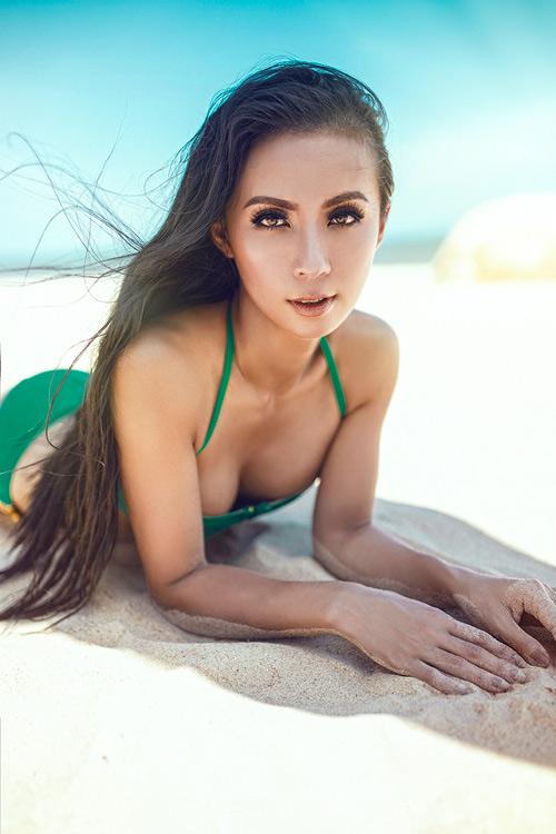 MC 3 con Huyền Ny khoe dáng chuẩn với bikini - 8