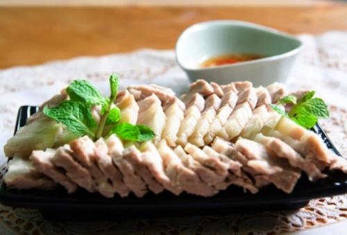 Lạnh sống lưng 4 thực phẩm ngậm hóa chất trong mâm cơm - 2
