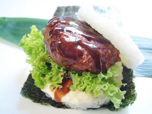 """Giới trẻ """"phát sốt"""" với burger nhân sushi kiểu mới - 3"""