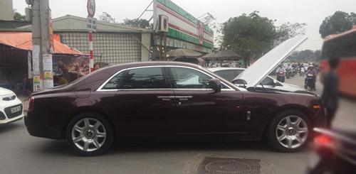 """Rolls-Royce biển tứ quý của đại gia Thái Bình """"lâm bệnh"""" tại Hà Nội - 1"""