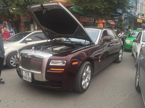 """Rolls-Royce biển tứ quý của đại gia Thái Bình """"lâm bệnh"""" tại Hà Nội - 2"""