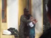 Video An ninh - Nín thở xem video giải cứu nữ sinh bị tẩm xăng dọa đốt