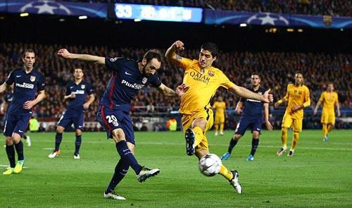 Thoát thẻ đỏ và lập cú đúp, Suarez xuất sắc nhất - 4