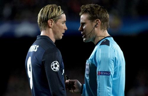 """Barca được """"chống lưng"""": Huyền thoại đòi đuổi Suarez - 3"""