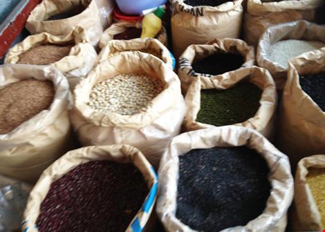 Thực hư việc mè đen bị nhuộm bằng lõi pin ở Phú Yên - 1