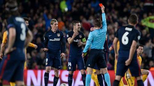 """Barca được """"chống lưng"""": Huyền thoại đòi đuổi Suarez - 2"""
