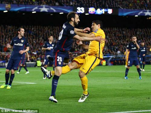 """Barca được """"chống lưng"""": Huyền thoại đòi đuổi Suarez - 1"""