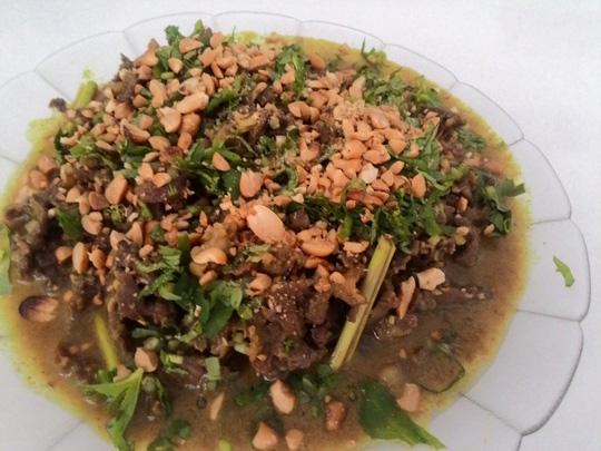 Thơm phức bò xào nước cốt dừa - 1