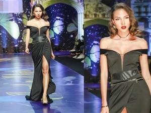 """Minh Triệu """"đốt mắt"""" với váy khoét sâu, xẻ cao"""