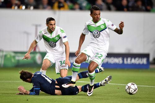 """Kroos khiến đối thủ """"rơi"""" răng, Bale đòi 11m - 2"""