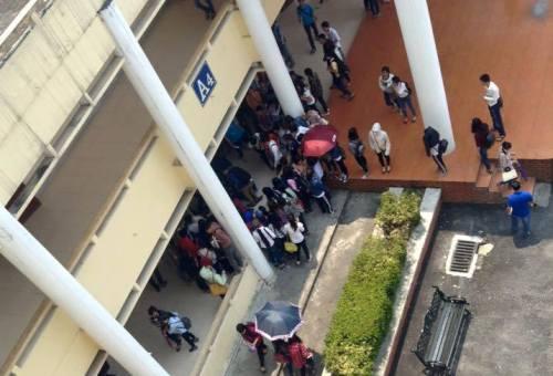 Hai sinh viên ĐH Vinh bị hành hung ngay trong trường - 2