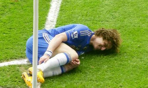 """""""Đóng kịch"""" xấu xí, David Luiz bị """"ném đá"""" dữ dội - 4"""