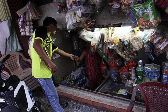 Nhà bỗng thành hầm giữa Sài Gòn - 6