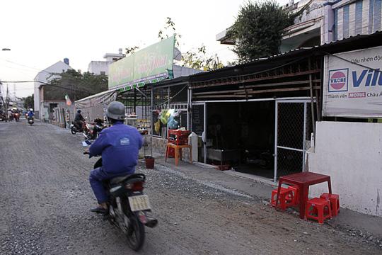 Nhà bỗng thành hầm giữa Sài Gòn - 8