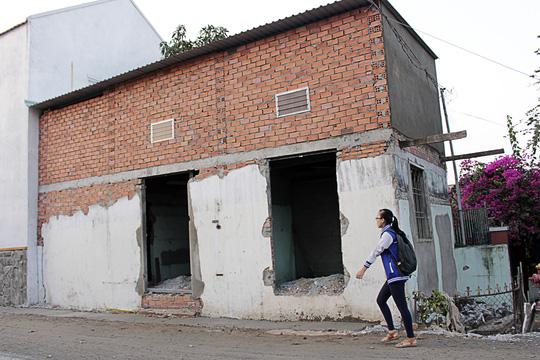 Nhà bỗng thành hầm giữa Sài Gòn - 9