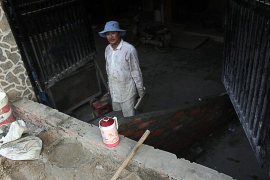 Nhà bỗng thành hầm giữa Sài Gòn - 10