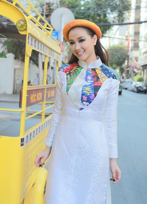 Maya, Đoan Trang điệu đà diện áo dài xưa ra mắt phim mới - 1