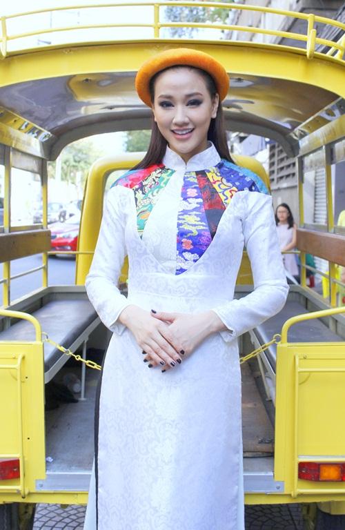Maya, Đoan Trang điệu đà diện áo dài xưa ra mắt phim mới - 2