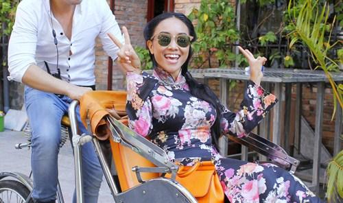 Maya, Đoan Trang điệu đà diện áo dài xưa ra mắt phim mới - 6