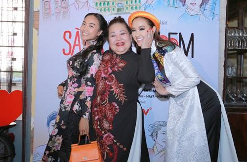 Maya, Đoan Trang điệu đà diện áo dài xưa ra mắt phim mới - 7