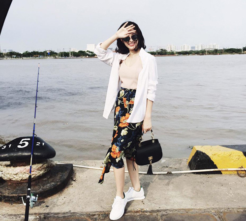 Facebook sao 8.4: Chi Pu thăm mộ Trần Lập và Thanh Tùng - 8
