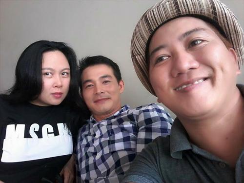 Facebook sao 8.4: Chi Pu thăm mộ Trần Lập và Thanh Tùng - 11