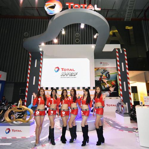 Total tại Triển lãm mô tô xe máy 2016: Cảm hứng thể thao, đỉnh cao công nghệ - 2