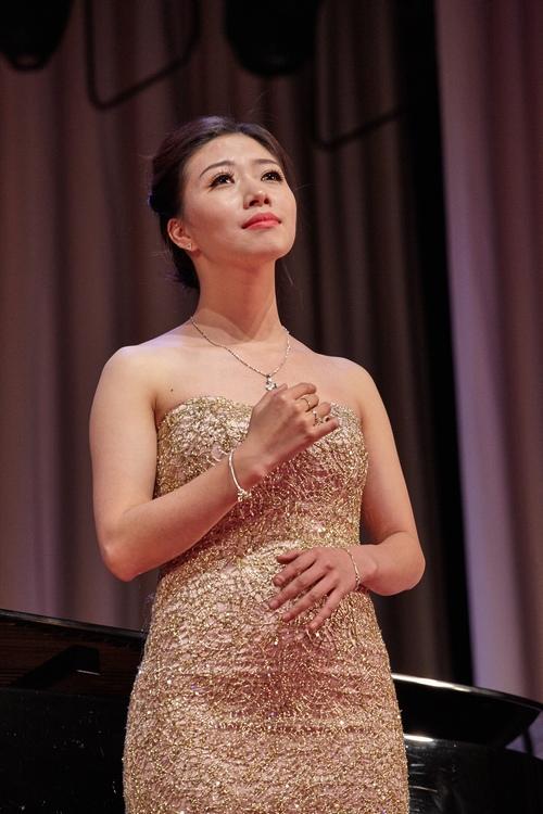 Giọng ca Việt giành giải tại cuộc thi thanh nhạc quốc tế - 2