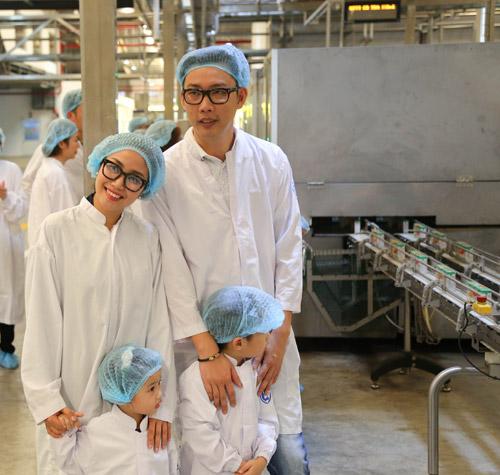 """""""Theo chân"""" gia đình Ốc Thanh Vân khám phá nhà máy sữa - 6"""