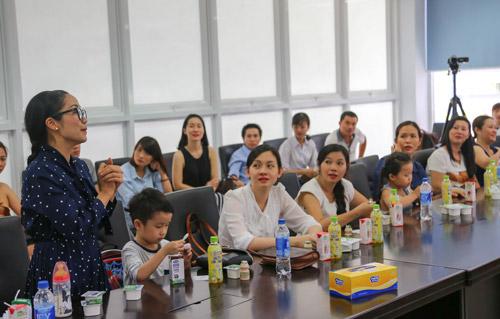 """""""Theo chân"""" gia đình Ốc Thanh Vân khám phá nhà máy sữa - 8"""