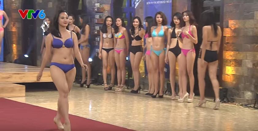 Thí sinh Hoa khôi Áo dài lộ mỡ thừa khi diễn bikini - 1