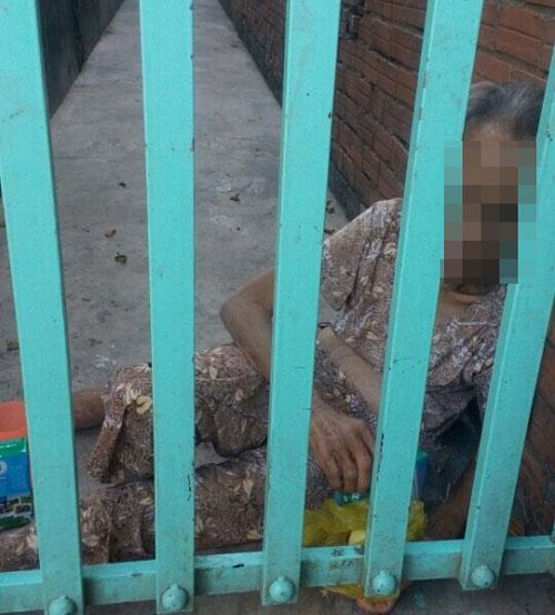 """Con gái đánh mẹ già 70 tuổi: """"Tại mẹ hư nên phải dạy"""" - 1"""
