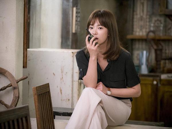 Hè này chỉ cần diện áo sơ mi xinh như Song Hye Kyo - 15