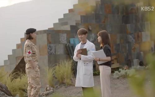 Hè này chỉ cần diện áo sơ mi xinh như Song Hye Kyo - 14
