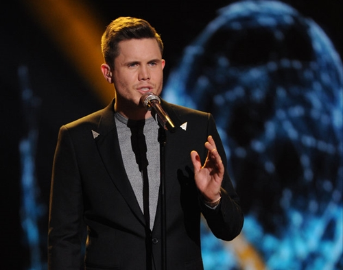 Nam bồi bàn thành Quán quân American Idol mùa cuối - 1