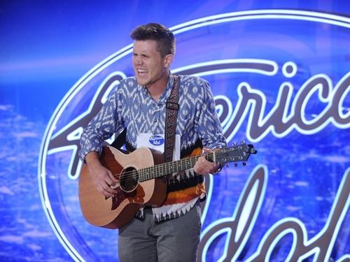 Nam bồi bàn thành Quán quân American Idol mùa cuối - 2