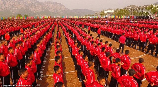 Màn trình diễn hoành tráng của 26.000 võ sinh kungfu TQ - 9