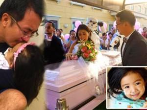 Bạn trẻ - Cuộc sống - Xúc động đám tang đầy màu sắc của cô bé 3 tuổi