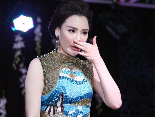 """Hồ Quỳnh Hương: """"Tôi không sợ bị bàn tán nhan sắc"""" - 3"""