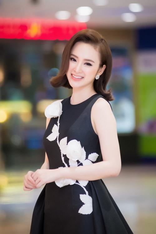 50 sắc thái khiến fan phì cười của Angela Phương Trinh - 1