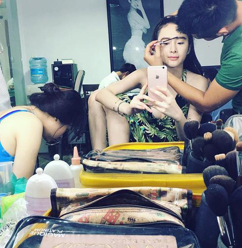 50 sắc thái khiến fan phì cười của Angela Phương Trinh - 4