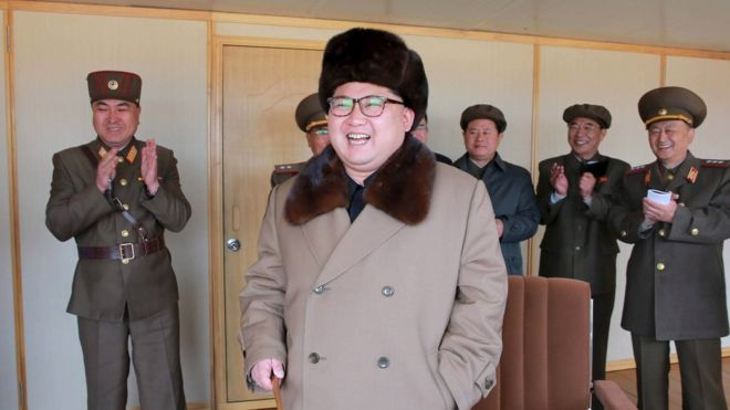 Triều Tiên khoe thử động cơ tên lửa đạn đạo bắn tới Mỹ - 1