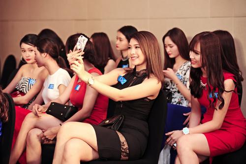 """Quỳnh Mai """"siêu vòng 3"""" tái xuất ở Hoa hậu Biển VN - 8"""
