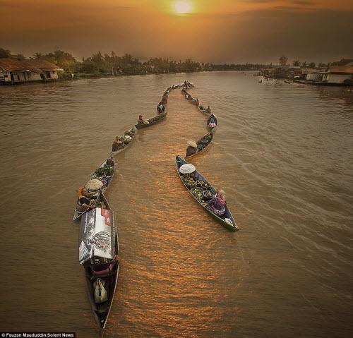 Khám phá chợ nổi trên sông ở Indonesia - 6