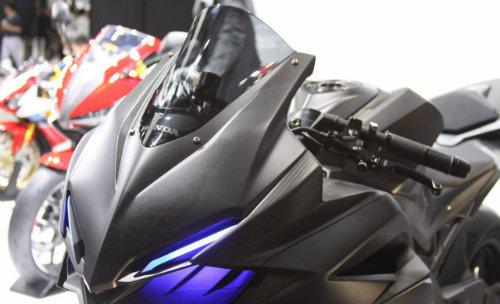 Đèn pha Honda CBR250RR đạt chuẩn châu Âu - 1