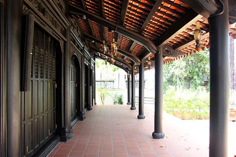 Cận cảnh ngôi nhà cổ hơn 200 tuổi giữa lòng Sài Gòn - 3